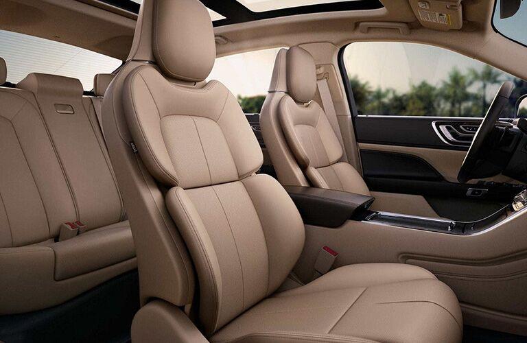 2018 Lincoln Continental side interior