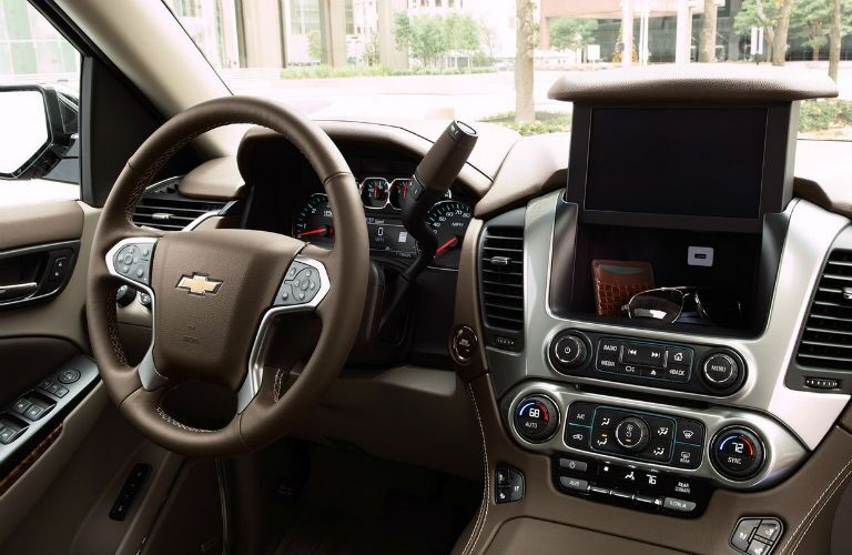 Steering wheel and center touchscreen of 2019 Chevrolet Tahoe
