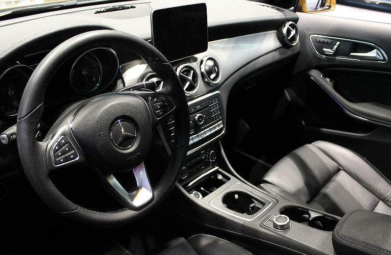 2017 Mercedes-Benz GLA front seat