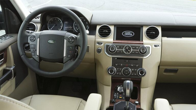 For the best selection of used Land Rover LR4 near Dallas TX, try Autos of Dallas.