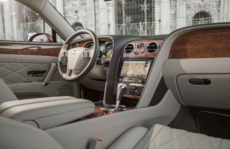 Bentley Flying Spur Steering Wheel, Dashboard and Infotainment System