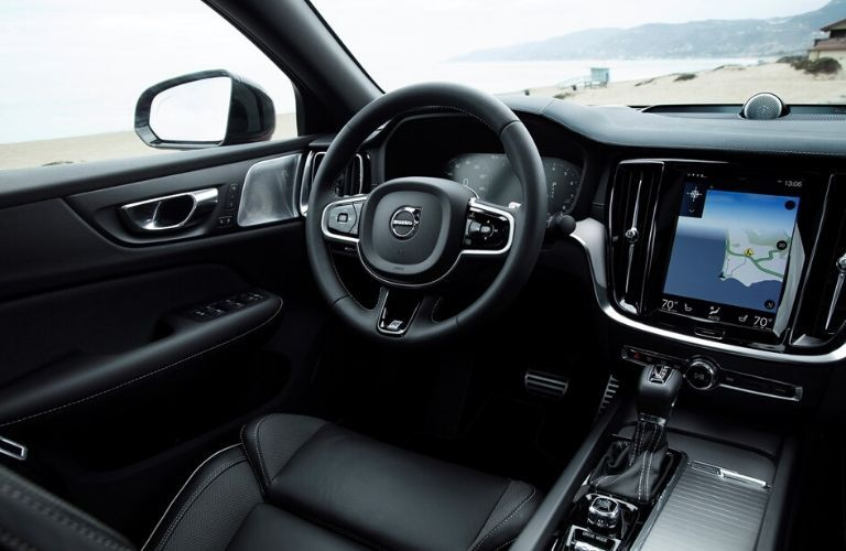 2019 Volvo S60 Steering Wheel and Dashboard