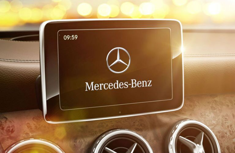 Used Mercedes-Benz GLA Dallas TX infotainment