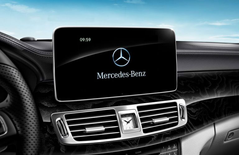 2015 Mercedes-Benz C400 LCD Screen