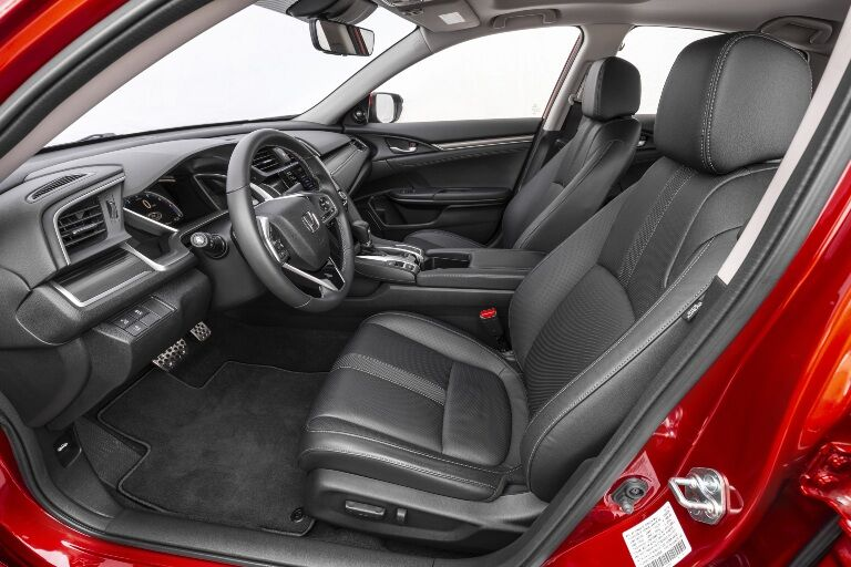 2021 Civic front seating showcase