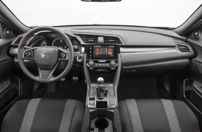 View of the dashboard of the 2017 Honda Civic Si