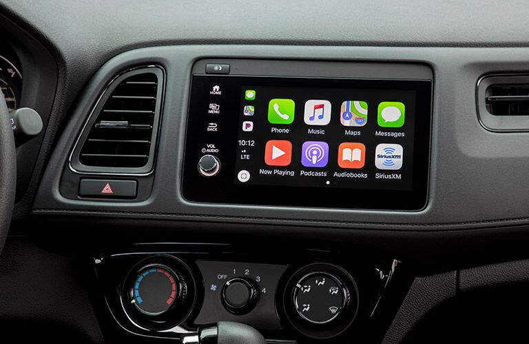 infotainment system of 2019 honda hr-v with apple carplay