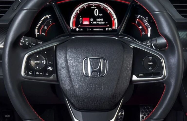 Steering wheel in the 2019 Honda Civic Si