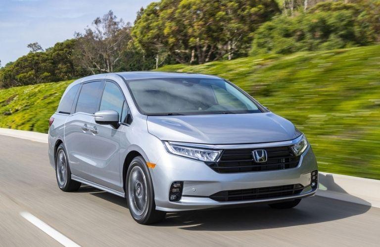 2022 Honda Odyssey front quarter view