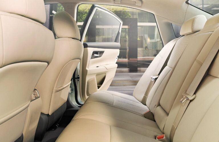 2015 Nissan Altima Rome GA interior back seat
