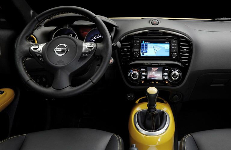 2016 Nissan Juke Rome interior front driver's seat yellow accents