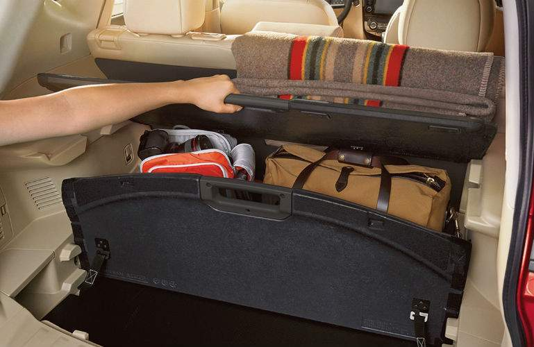 2018 Nissan Rogue Divide-N-Hide Cargo System