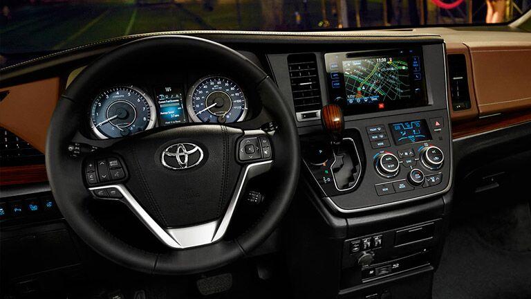 2016 Toyota Sienna vs 2016 Kia Sedona entertainment center cargo room Tuscaloosa AL