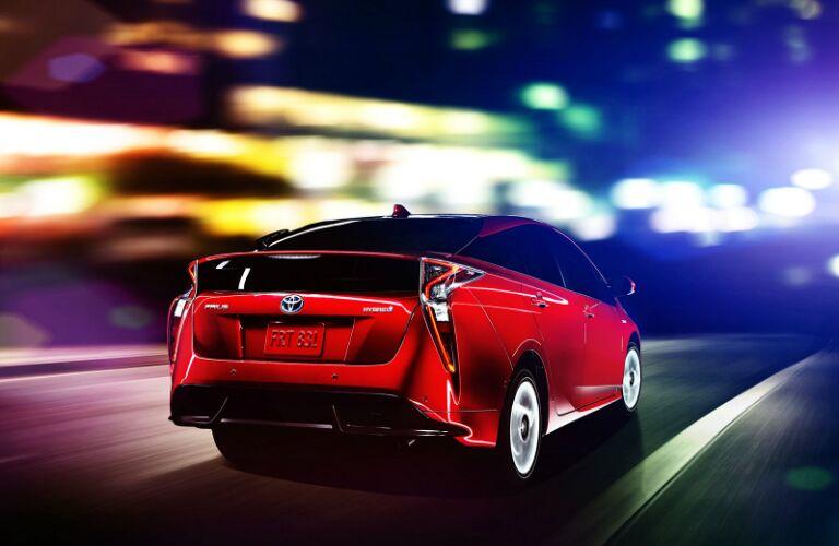 2016 Toyota Prius vs 2016 Toyota Prius v Fuel Economy