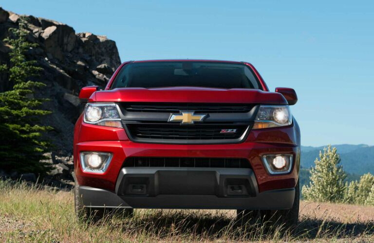 2017 Chevy Colorado red grille front view
