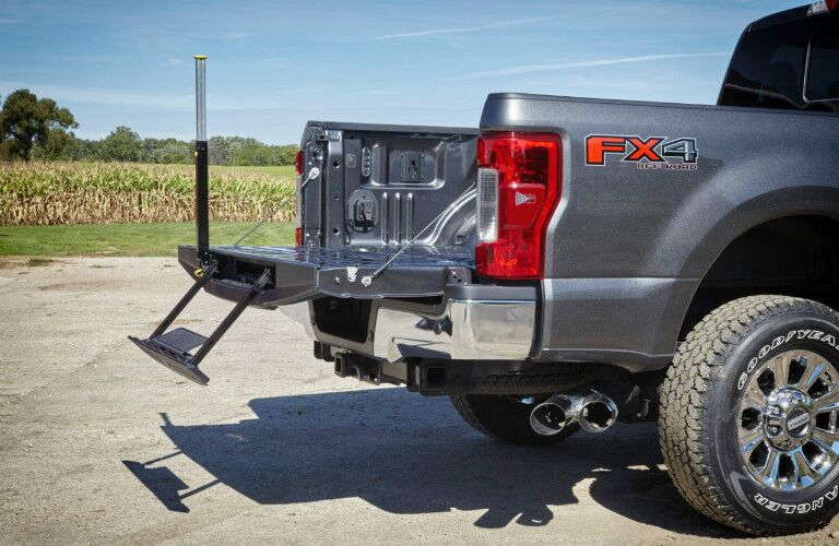 2017 Ford F-250 remote tailgate with step