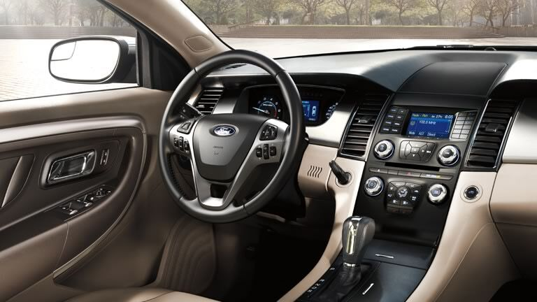 The interior of the 2015 Ford Taurus Atlanta GA is fresh and sophisticated.