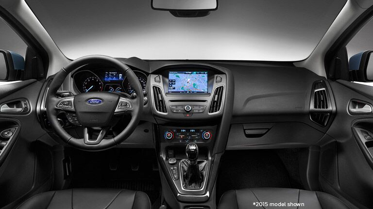 2016 Ford Focus RS interior instrumentation