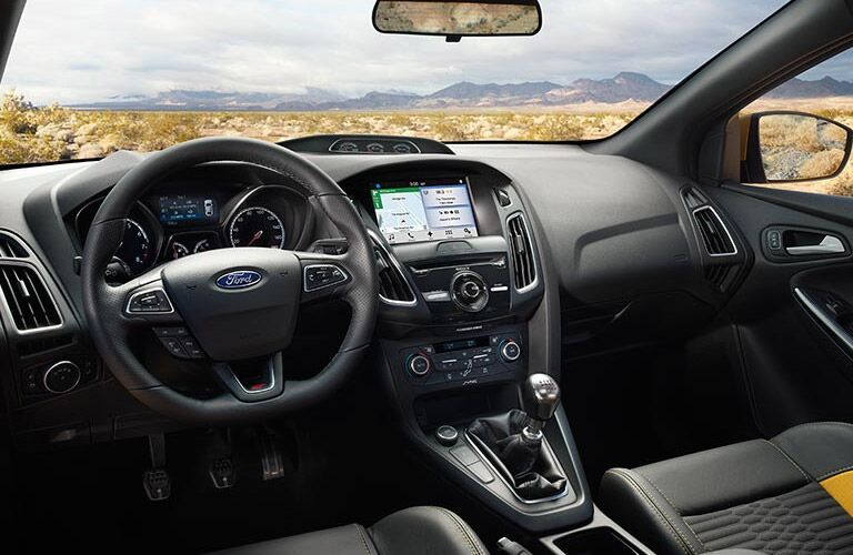 interior dashboard view 2016 Ford Focus ST