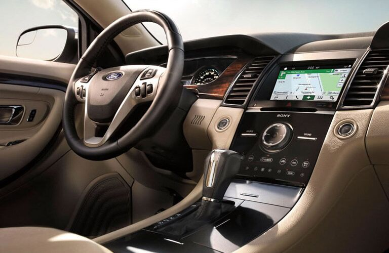 2016 Ford Taurus steering wheel and display