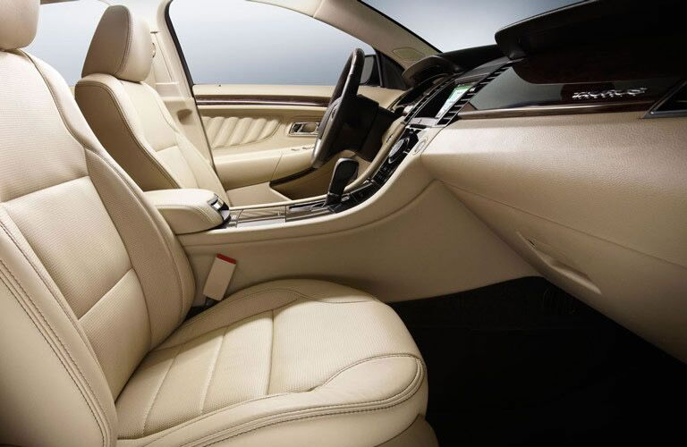 Comfortable front seating 2016 Ford Taurus