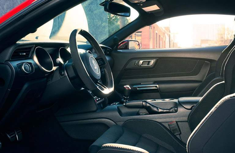 side view of the front passenger space in a 2018 Ford Mustang GT