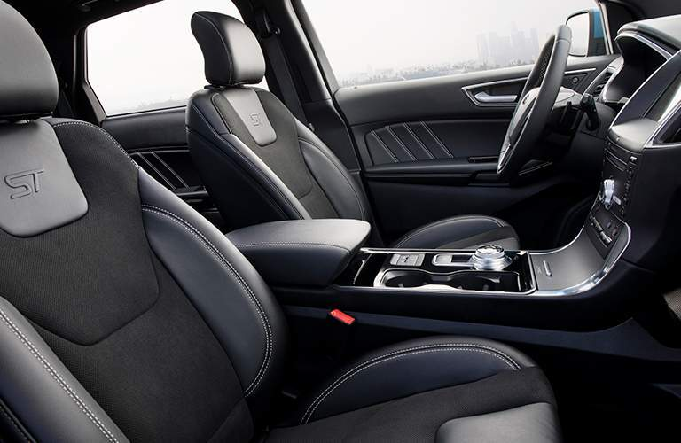 side view of the front passenger space in a 2019 Ford Edge
