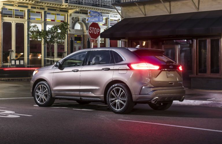 side view of a silver 2019 Ford Edge Titanium Elite