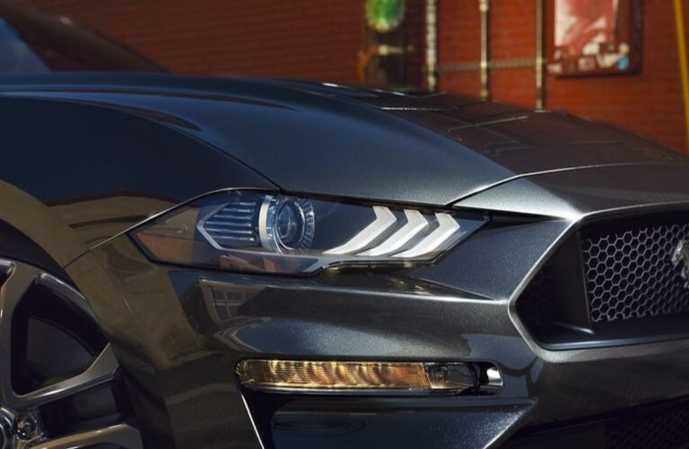 2020 Ford Mustang signature LED lighting