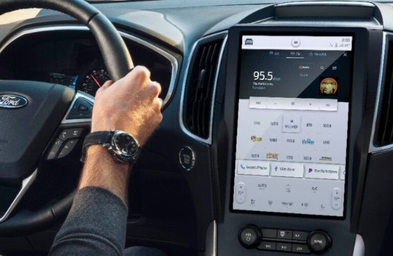 2021 Ford Edge SYNC® 4A with largest-in-class 12-inch touchscreen