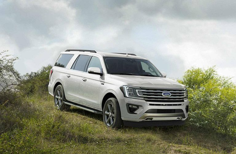 2021 Ford Expedition on downhill trail
