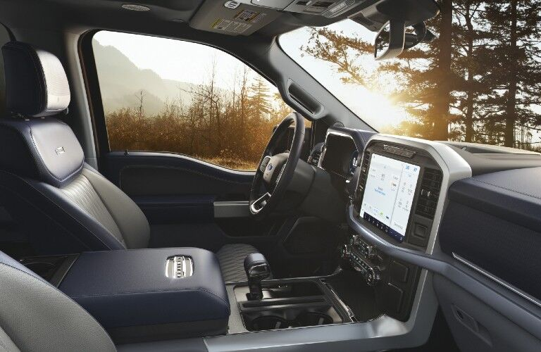 2021 Ford F-150 interior front seats