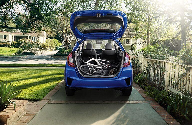 2016 Honda Fit vs 2016 Toyota Yaris cargo space