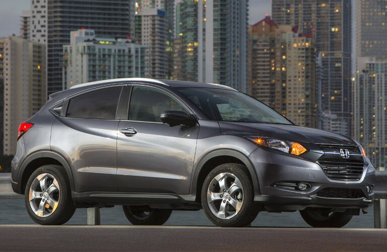 2016 Honda CR-V vs 2017 Ford Escape price