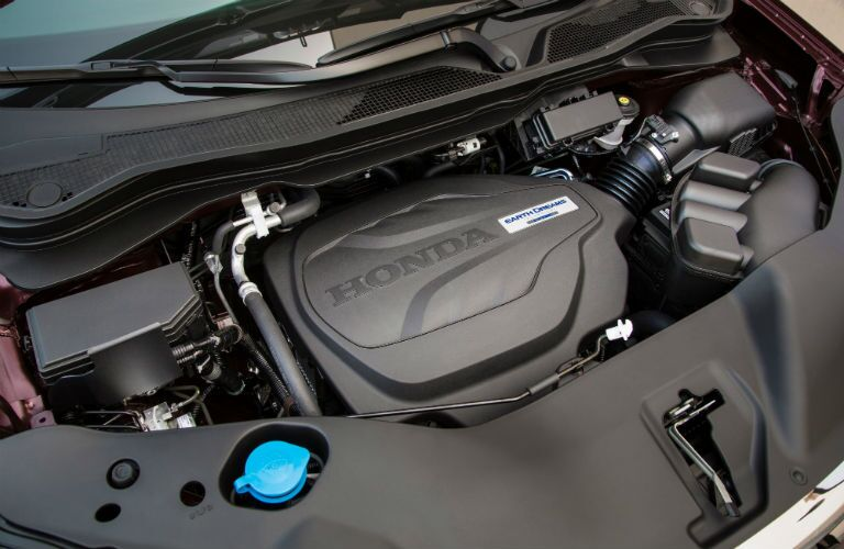 A photo of the V-6 engine equipped in the 2019 Ridgeline.