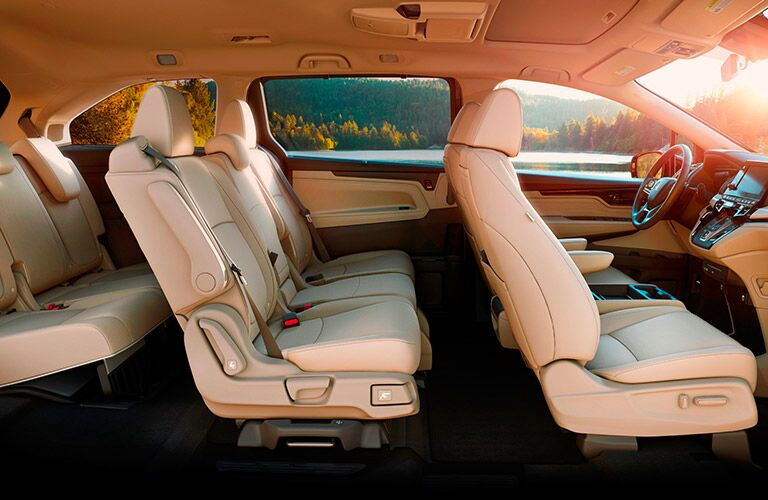 A cut-away cross-section of the 2018 Honda Odyssey with one of its seating configurations.