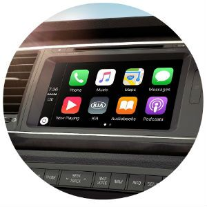 Does the Kia Sedona have Apple CarPlay?