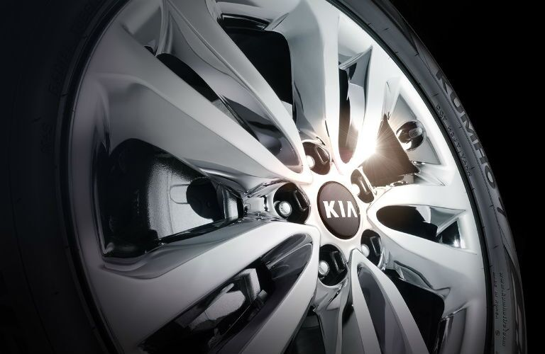 2017 Kia Sedona wheel style