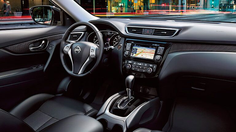 2015 Nissan Rogue interior features and technology