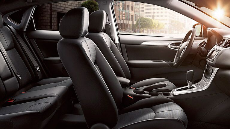 2015 Nissan Sentra interior seating features