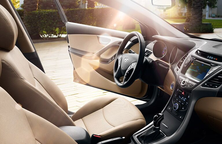 2016 hyundai elantra interior styling and features
