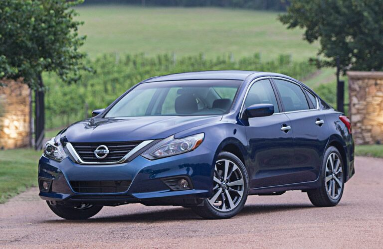 front view of the 2016 nissan altima