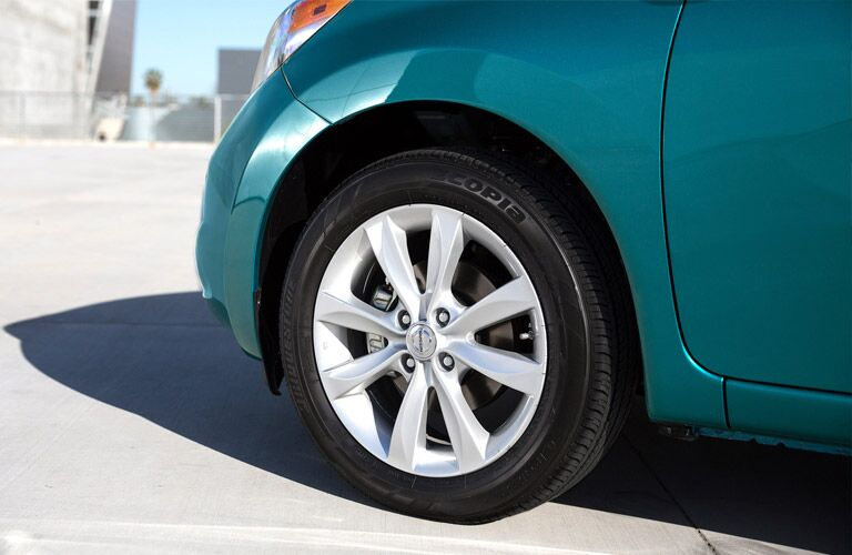 front tires of nissan versa note