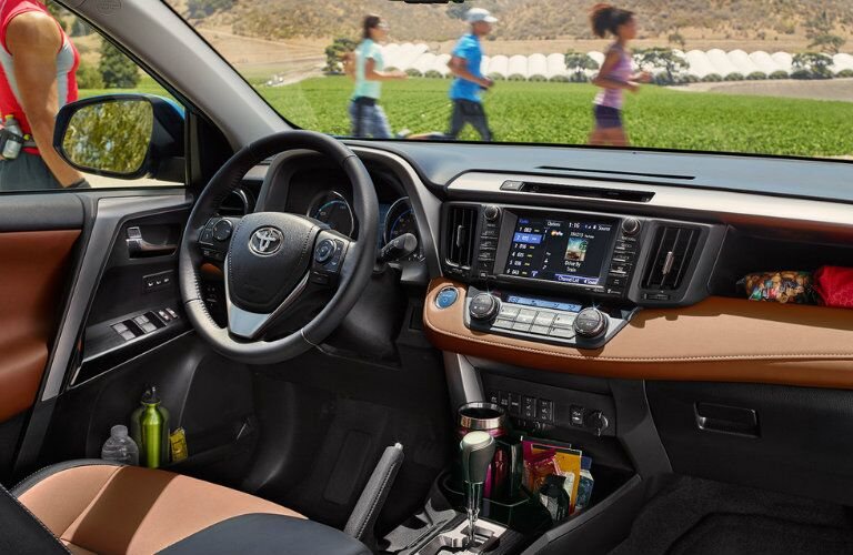 2016 Toyota RAV4 interior features and styling