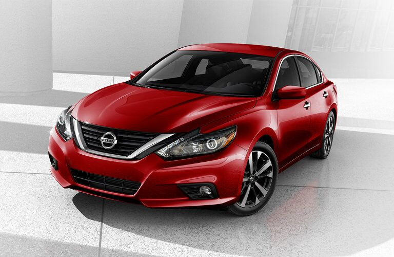 front of the 2016 nissan altima in red
