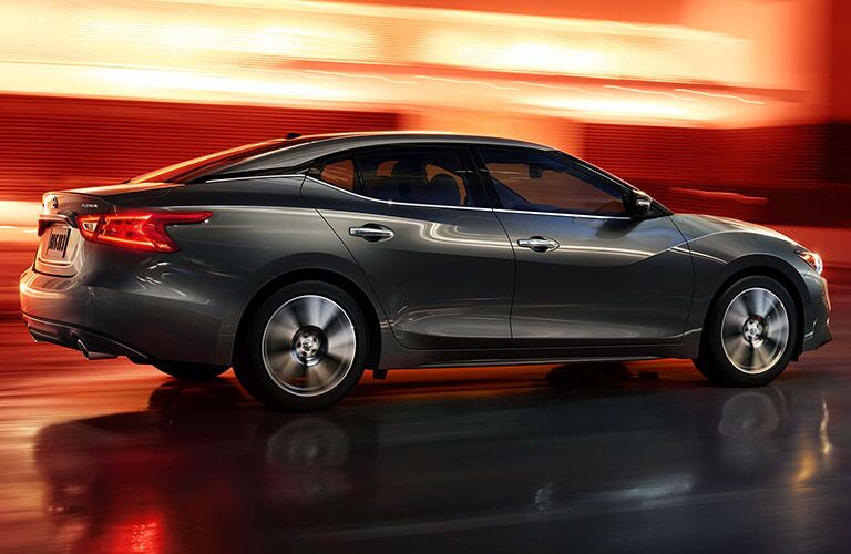 2016 Nissan Maxima vs 2016 Honda Accord performance