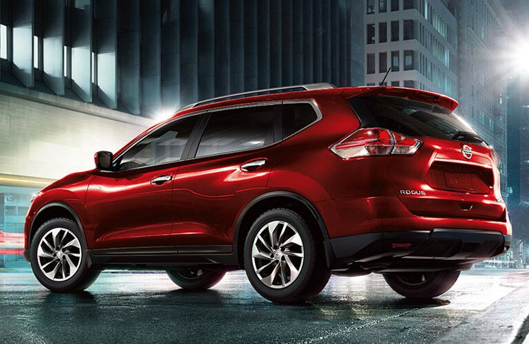 rearview of the 2016 nissan rogue