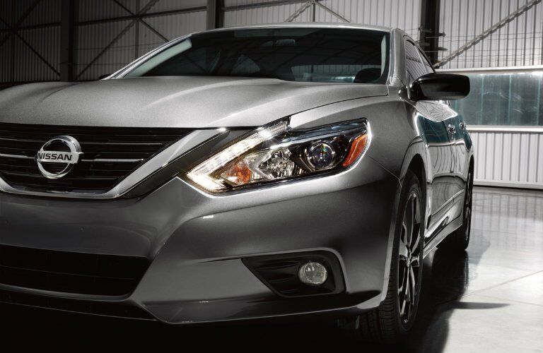 2017 Nissan Altima SR Midnight Edition Gun Metallic Color
