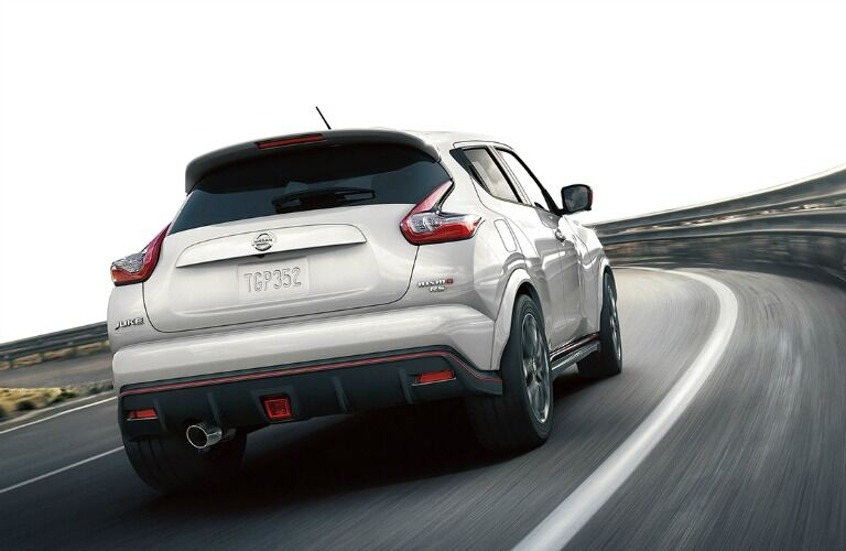 rear view of nissan juke nismo