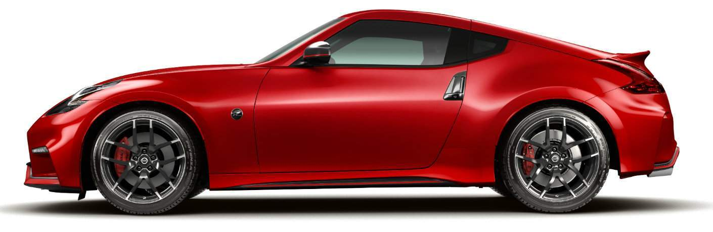 Side profile of red 2018 Nissan 370Z Nismo Tech